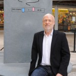 Han Nefkens donates a work by Lawrence Weiner to the city of Barcelona