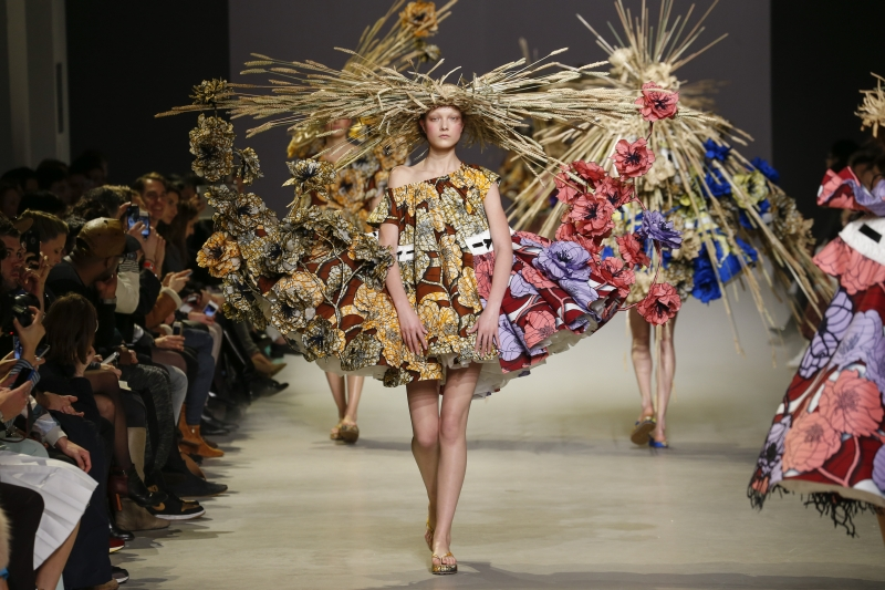 Three 'Van Gogh Girls' outfits by Viktor&Rolf on display from 5 December in Boijmans